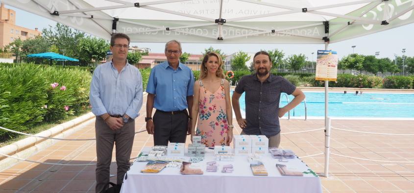 Presentación de la campaña sobre protección solar #solsinriesgo en piscinas de Zaragoza