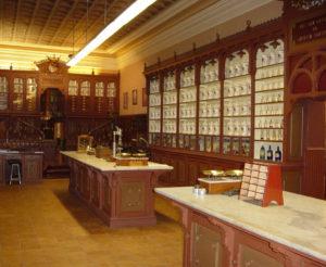 Visita guiada a las históricas farmacias del Hospital Nuestra Señora de Gracia