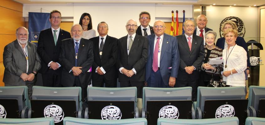 Santiago Andrés, nuevo presidente de la Academia de Farmacia Reino de Aragón. Sustituye en el cargo a Manuel López, ex rector de la Universidad de Zaragoza, fallecido el pasado marzo.