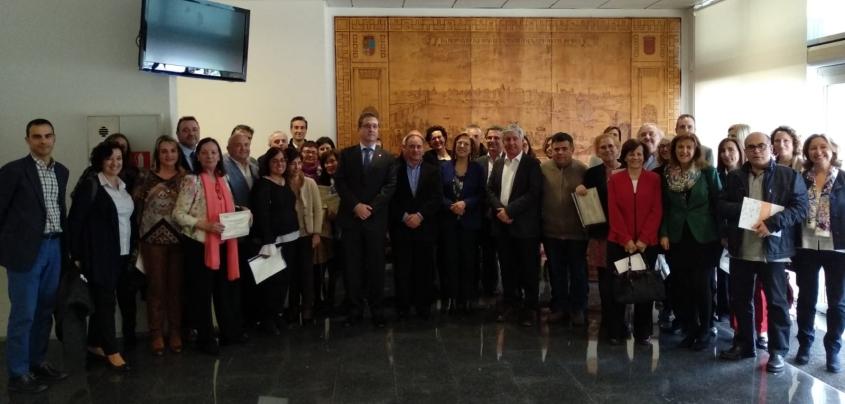 El Centro de Farmacovigilancia de Aragón reconoce la labor de 7 farmacéuticos de Zaragoza